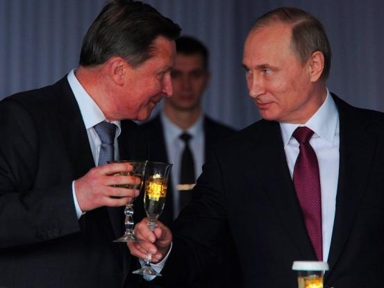 Γιατί απέλυσε ο Πούτιν τον πιο στενό του σύμμαχο;