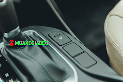 So sánh Toyota Fortuner với Hyundai Santafe ở bản máy dầu, 2 cầu, số tự động ảnh 13