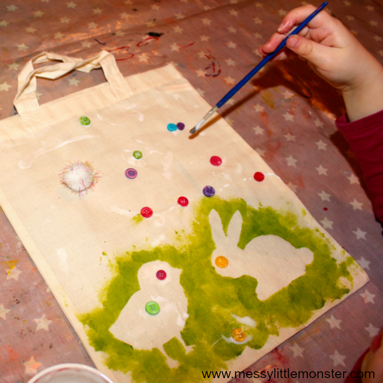 This easy DIY Easter tote bag kids craft features a bunny and chick design which make it a perfect Easter or Spring craft for kids. The simple painting technique used to decorate the bags makes it a fun activity for toddlers and preschoolers. Use the canvas bag as an 'Easter basket' and fill it with treats or give it as a homemade gift for Mothers day.