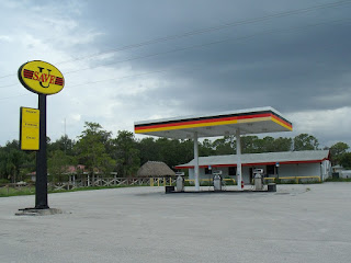 Gasolinera en la reserva