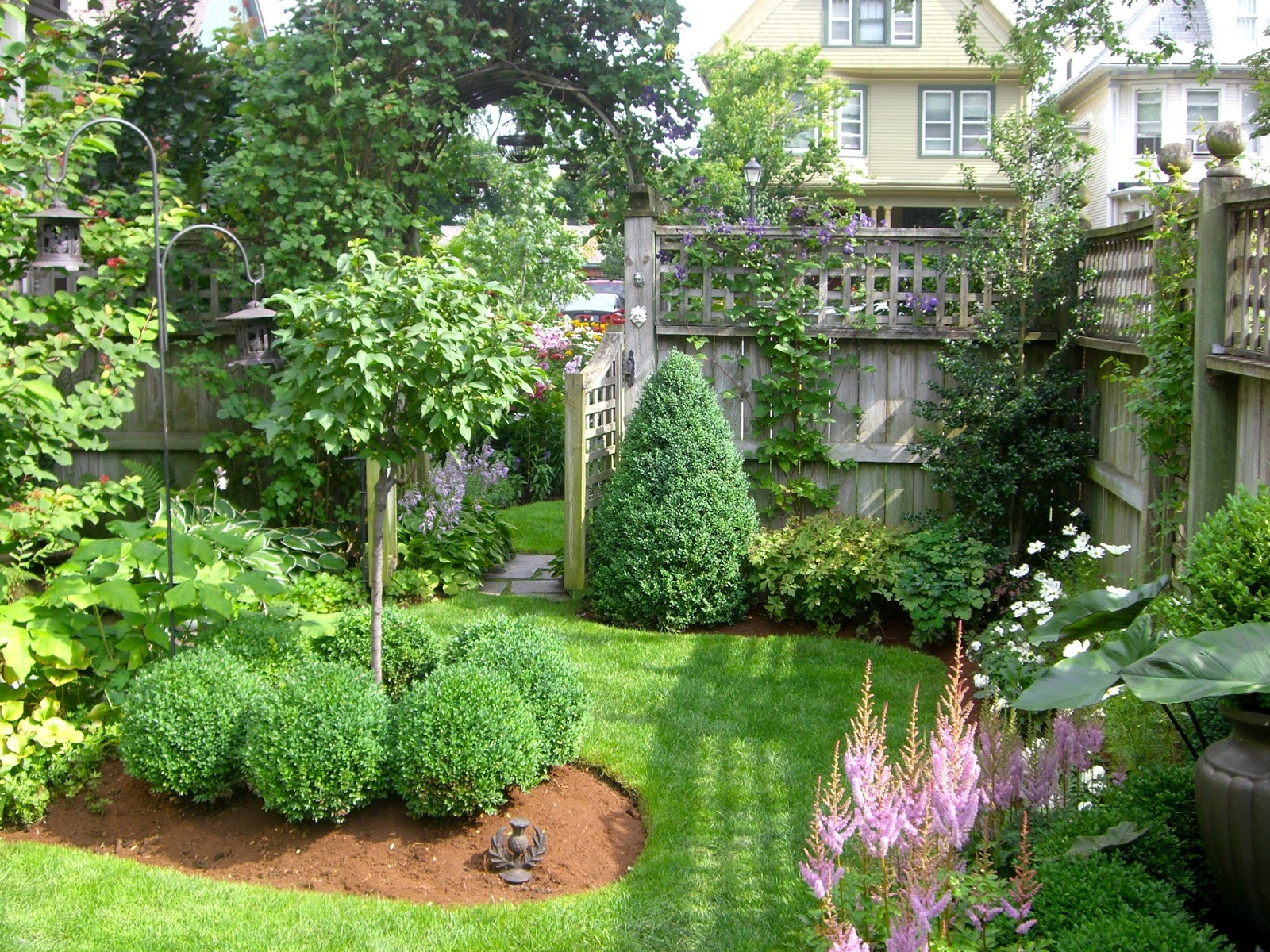 "Lancaster Garden Walk: 10 Of Buffalo's ""Can't Miss"" Gardens"