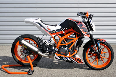 New KTM 690 side wallpapers