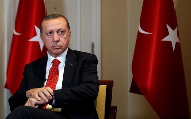 Παραιτήθηκε ανώτερος οικονομικός σύμβουλος του Ερντογάν