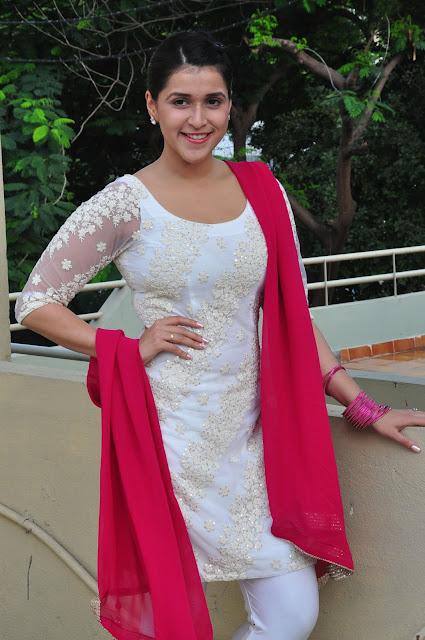 Mannara Chopra new cute Pictures 042.jpg