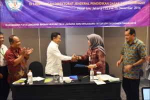 BERITA BARU Kemendikbud Serahkan Program dan Anggaran LPMP Kaltara Tahun 2017