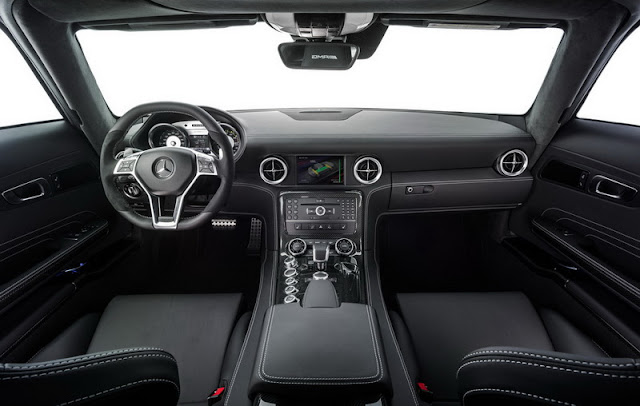 Interior Mercedes SLS AMG Coupe Electric Drive