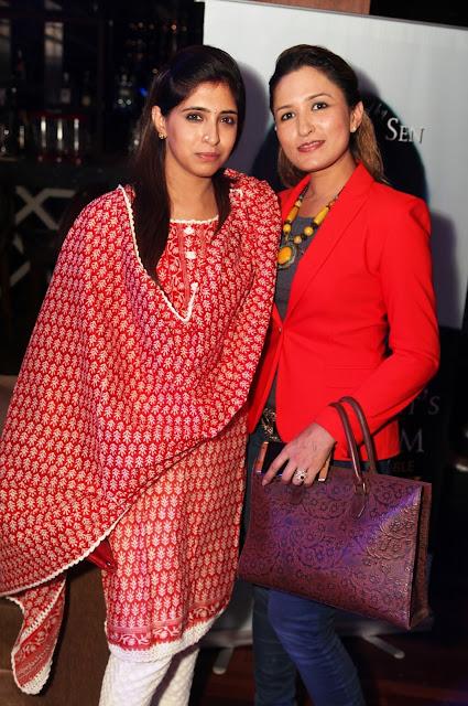 Rashi Anand with Makeup Artist Aashmeen Munjal