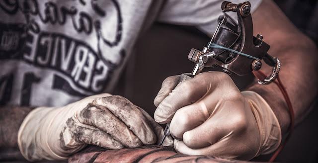 Ο ρόλος του τατουάζ στο σκοτεινό παιχνίδι της κατασκοπείας