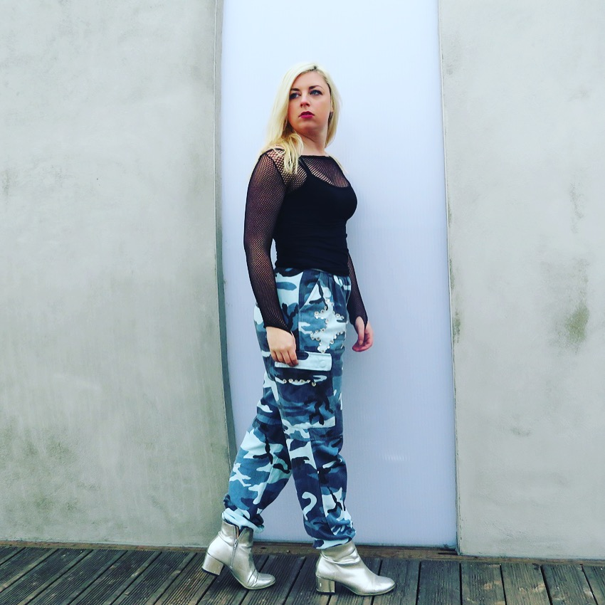 a2ee3008a835e9 Going crazy for my late 90s/00's themed wardrobe RN with the Carli Bybel  range over @ Missguided. Blue Camo Cargo Trousers ...