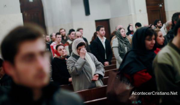 Cristianos se reúnen en secreto en Irán