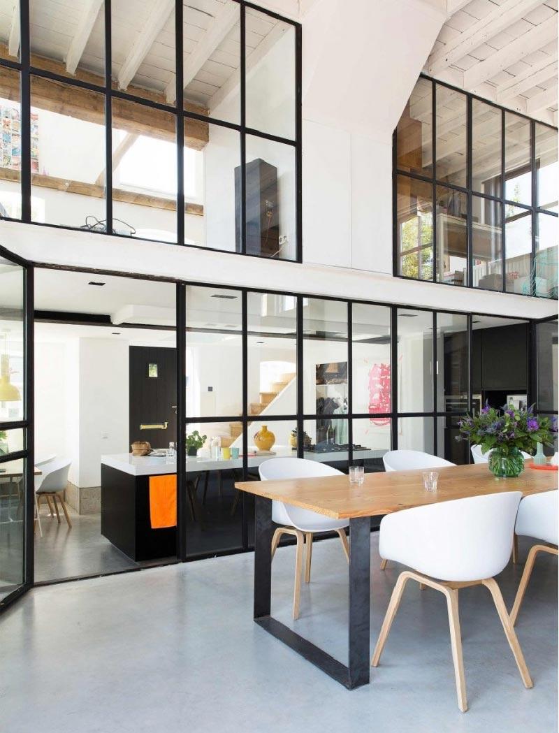 Ex conceria trasformata in un ampio loft per una famiglia