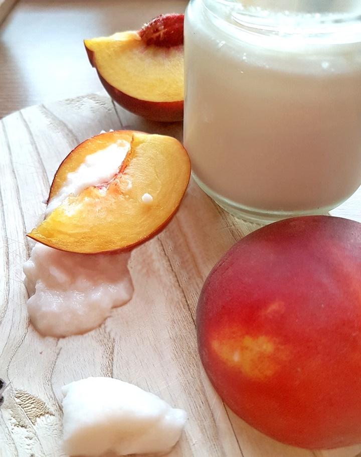Pfirsich mit Kokosmilchjoghurt