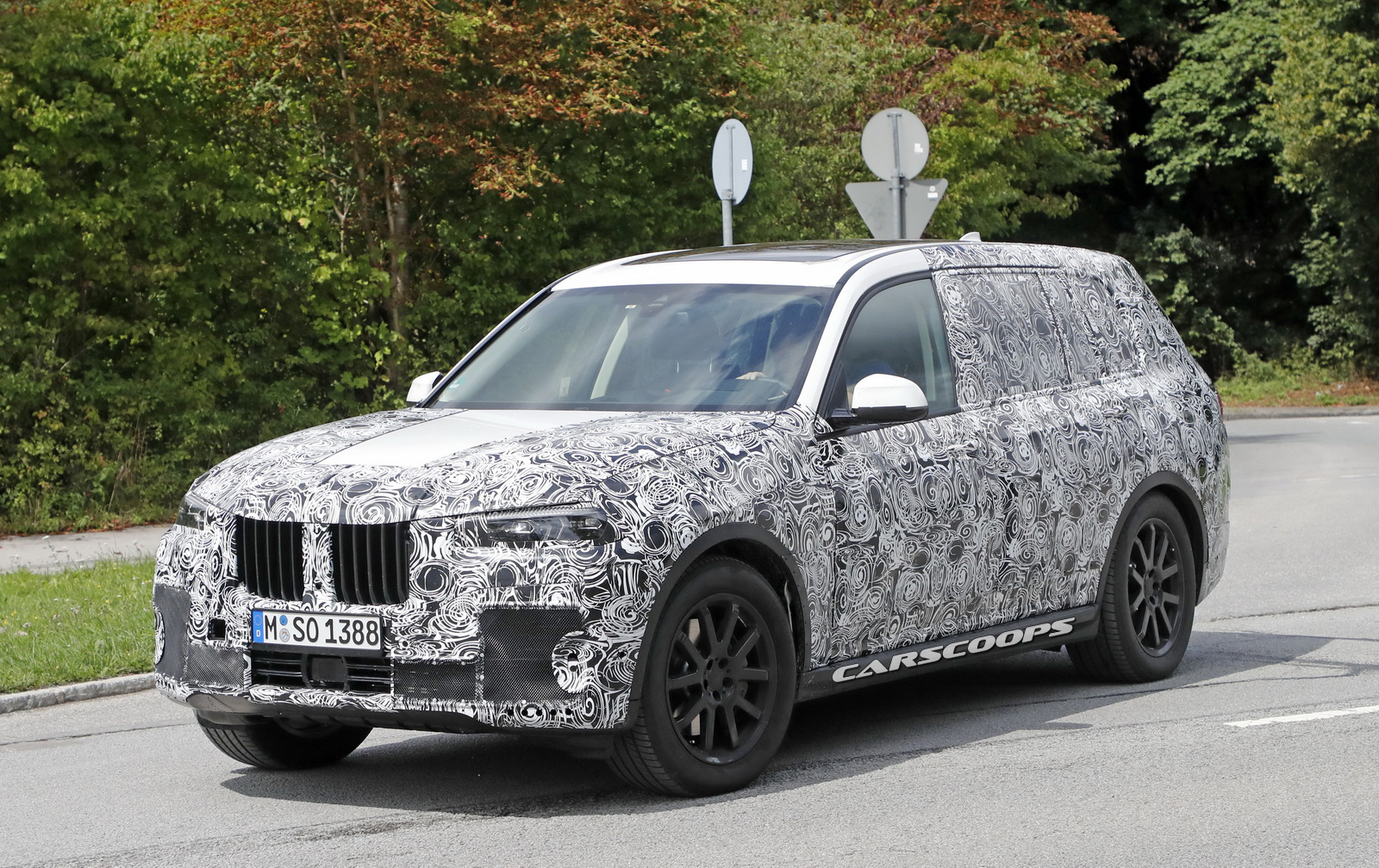 Scoop: BMW X7 Edges Closer To Production, Spotted With Its Final Lights | Carscoops