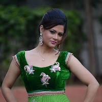 Glamorous sexy diva shilpa chakravarthy new gorgeous photos