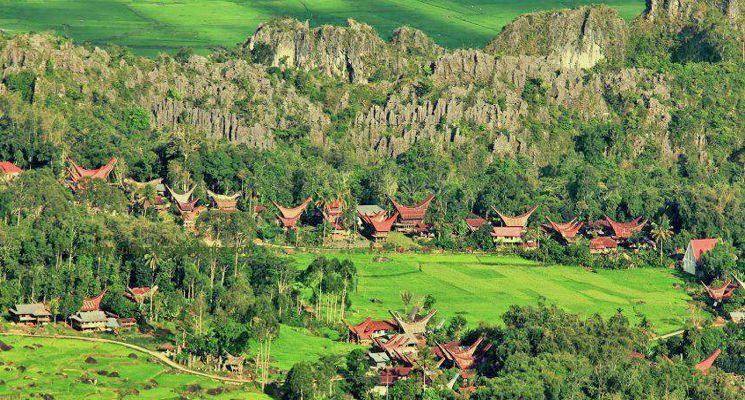 Pusat Penyebaran Aluk Dan Adat Di Toraja