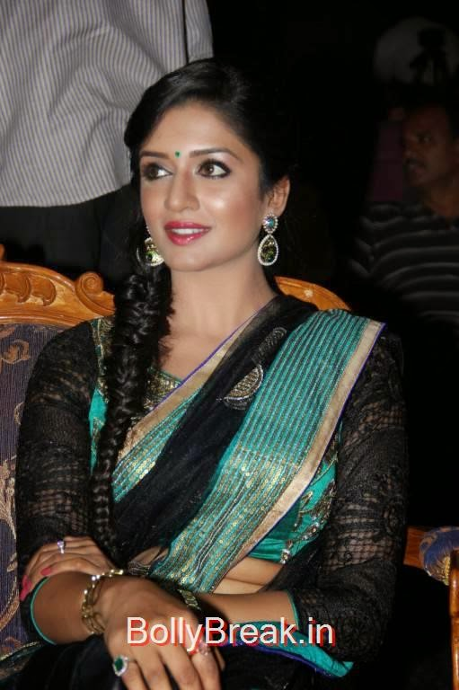 Vimala Raman Stills in Saree, Vimala Raman Hot HD Pics in Black Saree from Young India Awards