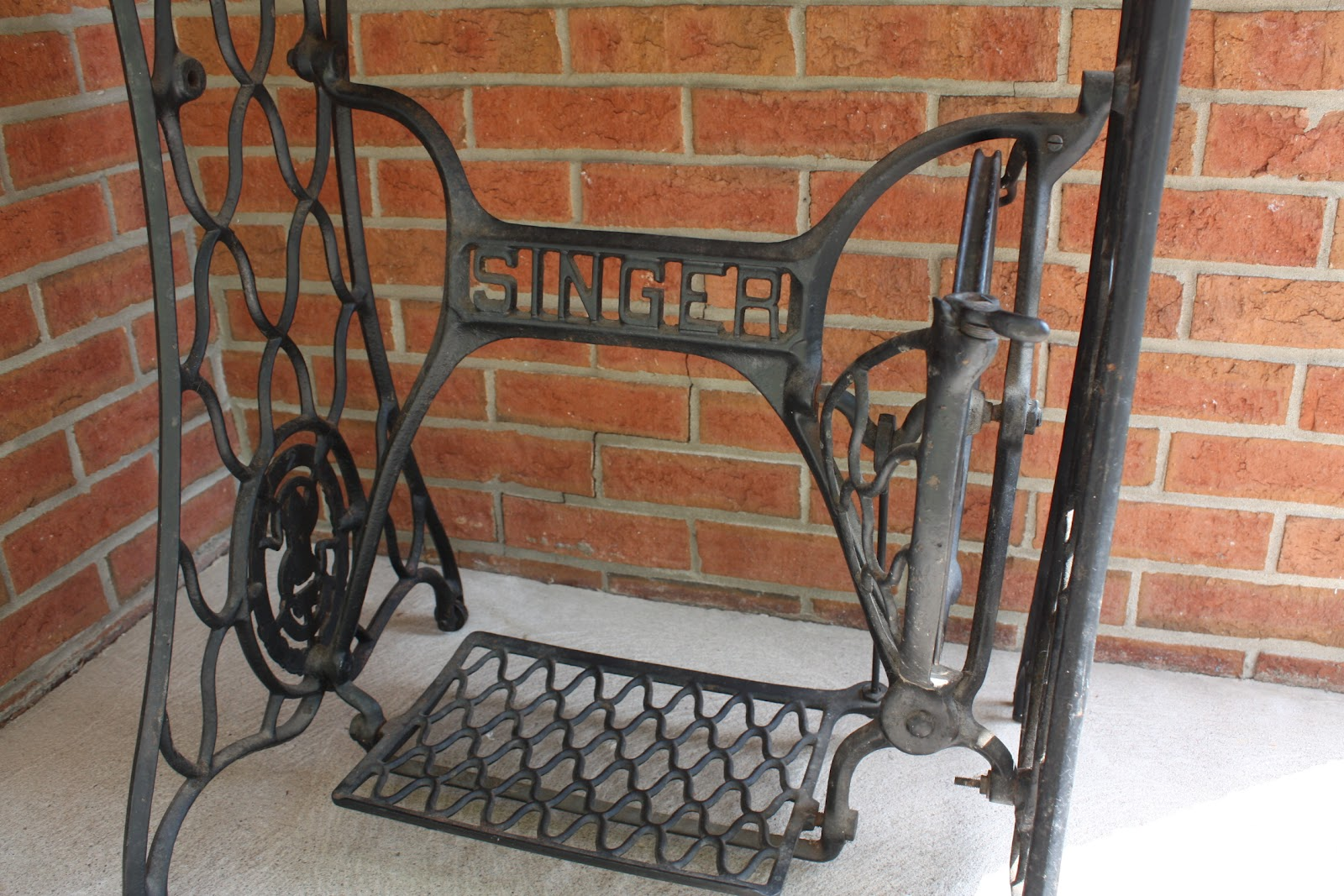 antique singer cast iron sewing machine treadle base w tabletop eve of reduction. Black Bedroom Furniture Sets. Home Design Ideas