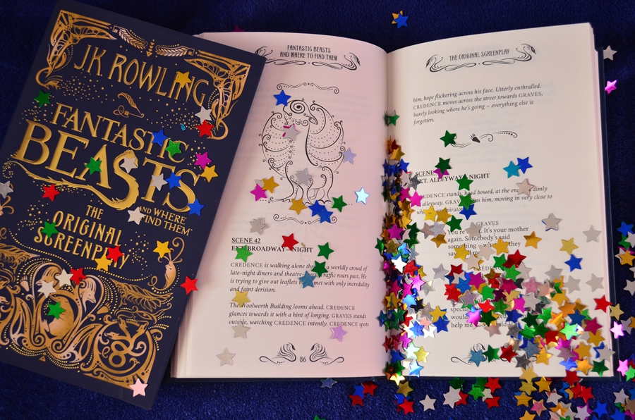 interior carte fantastic beasts and where to find them the original screenplay j.k. rowling