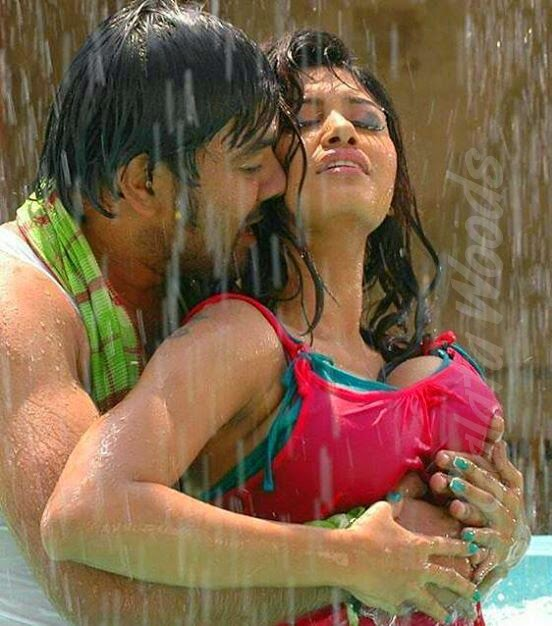 Vijay TV Big Boss Oviya Hot Sexy Boobs Pictures #bigboss #vijaytv #oviya