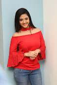 shriya sharma latest glam pics-thumbnail-12