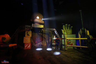 Sid Phillips, The Nightmare Experiment, Hong Kong Disneyland, 2016 Halloween, 香港迪士尼樂園, Halloween Time, 反轉迪士尼, 詭夢實驗室, 大街詭異酒店, Main Street Haunted Hotel
