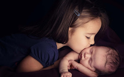 Cute and lovely baby pictures free download love images of love cute baby girls kissing wallpapers voltagebd Images