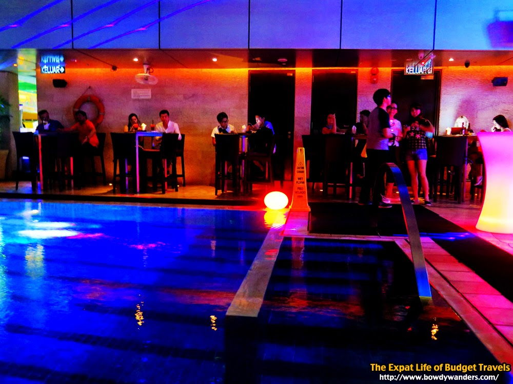 SkyBar-Traders-Hotel-Kuala-Lumpur-Malaysia-The-Expat-Life-Of-Budget-Travels-Bowdy-Wanders