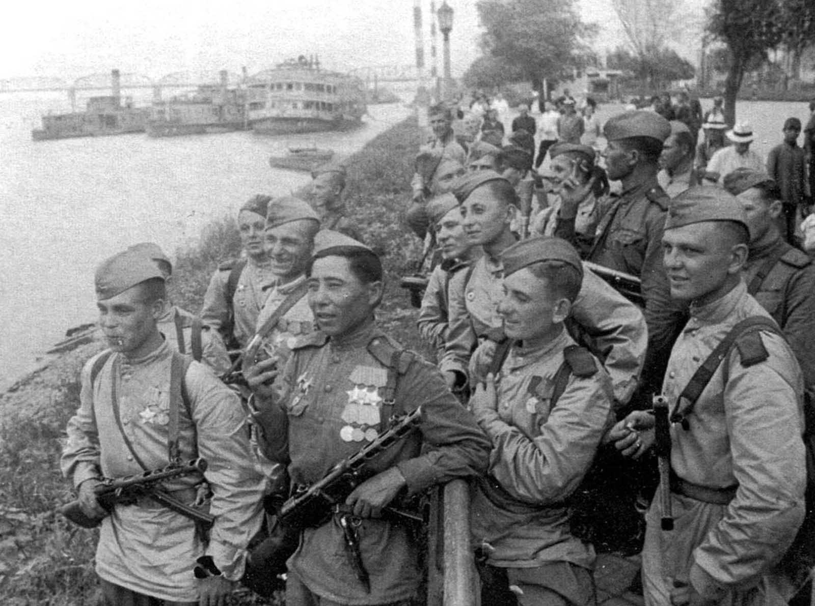 Soviet soldiers on the bank of the Songhua River in Harbin. The Japanese-occupied city was liberated by Soviet troops on August 20, 1945. Some 700,000 Soviet troops occupied Manchuria by the time Japan surrendered.