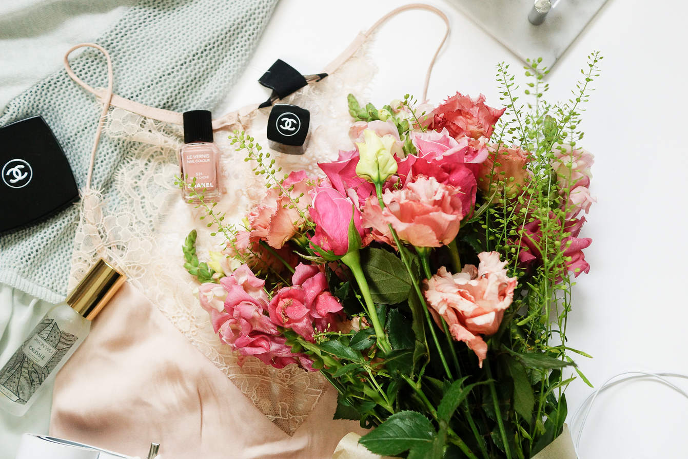 lifestyle-beauty-flatlay-photography-10-things-that-made-me-happy