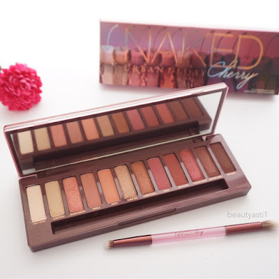 urban-decay-naked-cherry-eyeshadow-palette-review.jpg