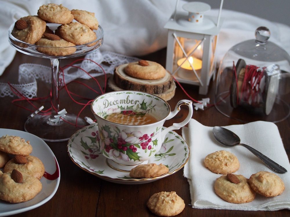 Biscotti di Natale morbidi alle mandorle