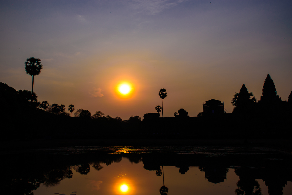 sunrise at angkor wat temple siem reap cambodia singapore travel blog