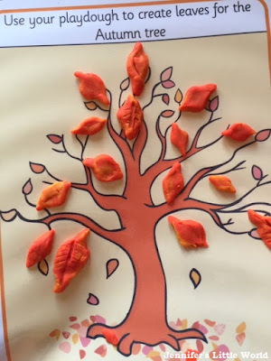 Tree play dough mat from Twinkl