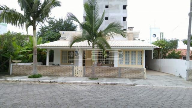 ref: 1468 - Casa com 3 dormitórios - Próximo ao Mar - Praia de Palmas - Governador Celso Ramos/SC