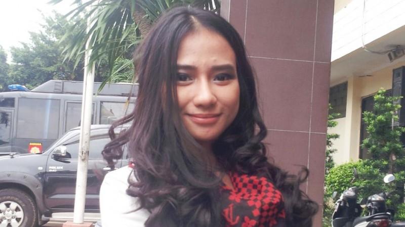 Bella Luna yang dipolisikan pengacara Razman Nasution