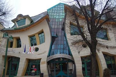 desain rumah dan bangunan paling unik di dunia
