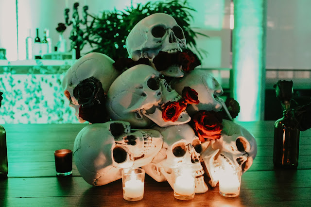 haunted centerpiece, skull centerpiece, halloween centerpiece