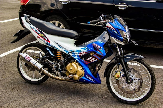 Sơn Xe Suzuki Satria màu trắng xanh cực đẹp
