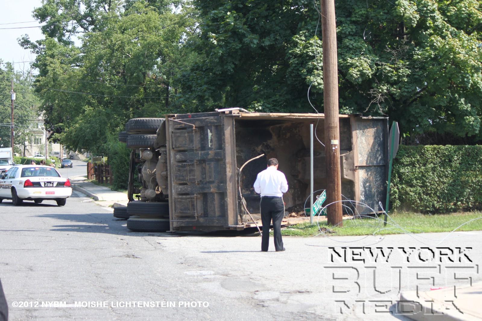 Maple Ridge Dump >> New York Buff Media: Dump Truck Overturns To The Side ...