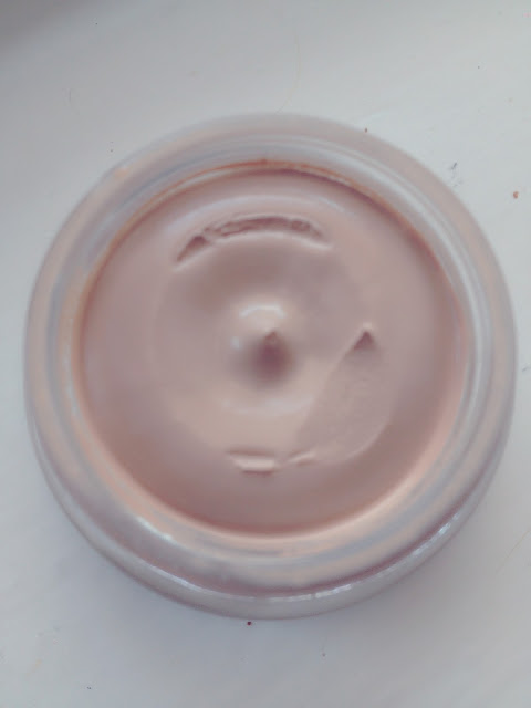 Max Factor Whipped Creme in Natural Pot