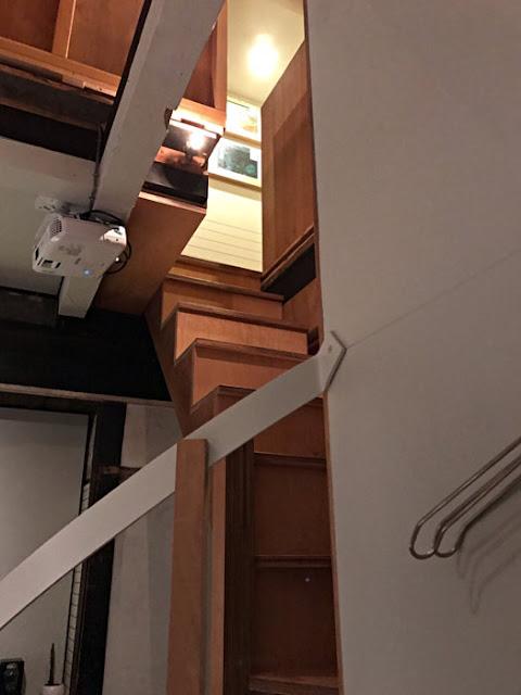 八 HACHI - CRAFT BEER & SAKE / VINYL SHOP