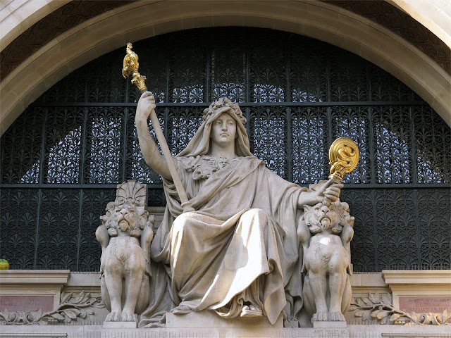 Allegory of Prudence by Aimé Millet, Comptoir national d'escompte, BNP Paribas, rue Bergère, Paris