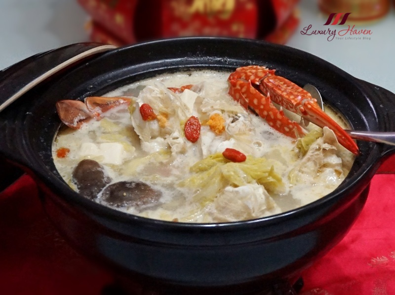 fragrant claypot flower crab soup with napa cabbage