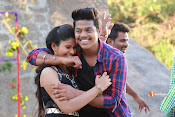 Vasthunadu Movie Stills-thumbnail-5