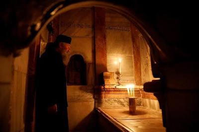 Jesus Tomb In Jerusalem Re-Opens After Nine Months Restoration 3