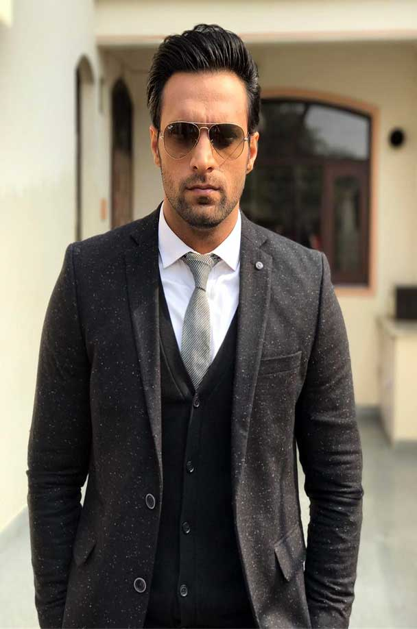 Shaleen Malhotra Age, Height, Weight, Family, Wiki
