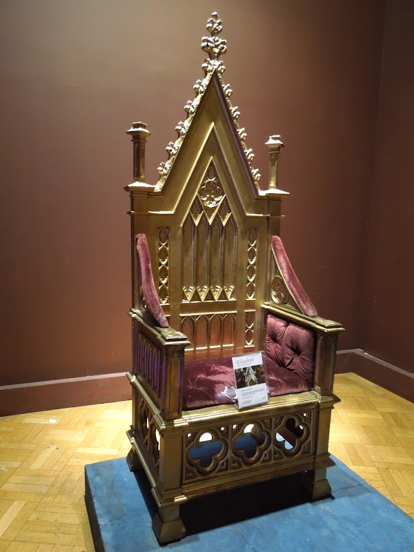 Gold throne Elizabeth movie prop