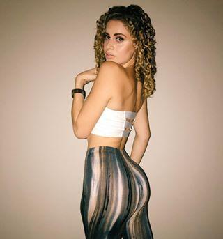 Dak Prescott S Girlfriend Yasmine Nicole Wife Bio Photo Playersgf Com