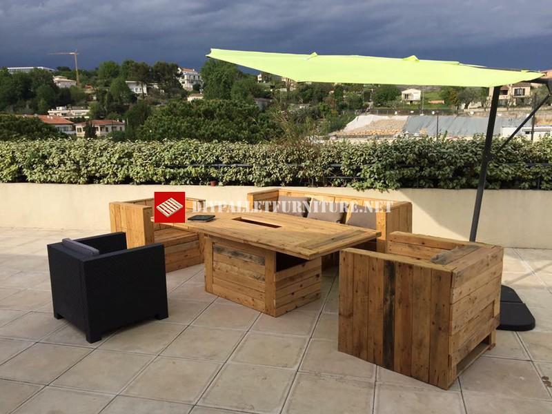 Butacas sof y mesa para una terraza for Sofa terraza madera