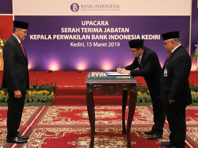 Dody Budi Waluyo Pimpin Sertijab Dody Budi Waluyo Pimpin Bank Indonesia Kediri, Gantikkan Djoko Raharto